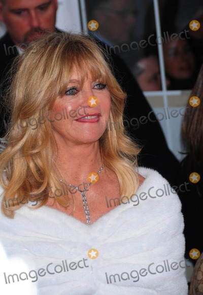 Goldie Photo - the Premiere of Nine at the Ziegfeld Theater in New York City on 12-15-2009 Photo by Ken Babolcsay-ipol-Globe Photos Inc Goldie Hawn