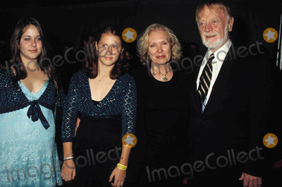 Red West Photo - Glory Road Premiere Pantages Theatre California Photo Phil Roach  Ipol  Globe Photos Inc 2006 Red West and Family