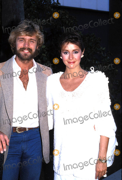John Schneider Photo - John and Tawny Schneider 10-1985 Photo by Michelson-Globe Photos