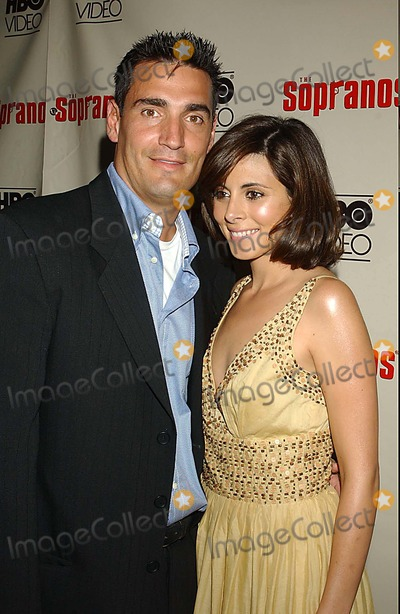 AJ DiScala Photo - Hbo Video House Hosts a Special Cast Celebration in Honor of the June 7 Release of the Sopranos Fifth Season on Dvd at English Is Italian New York City 06-06-2005 Photo Ken Babolcsay-ipol-Globe Photosinc 2005 Jamie-lynn Discala a J Discala