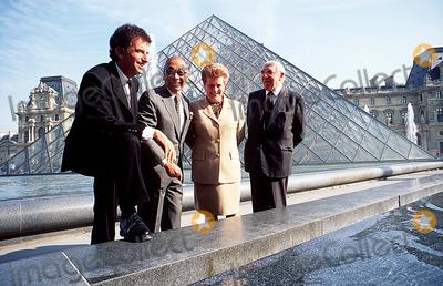 Jack lang pictures and photos for Architecte de pyramide