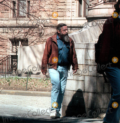 Macaulay Culkin Photo Culkins Father Kitt Walking Down New York City Street 1996 K4482jbb