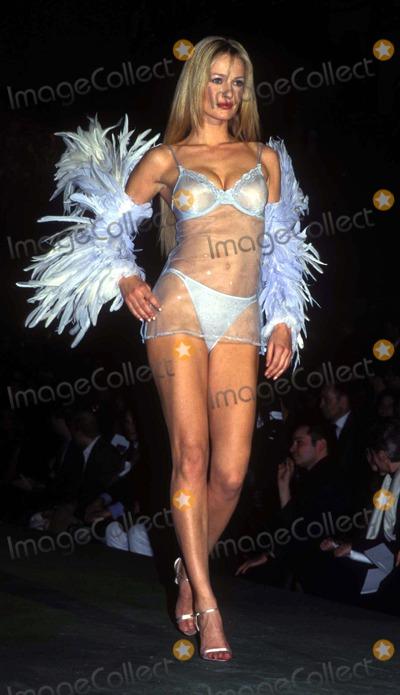 Karen Mulder Photo - Sd020399 Victorias Secret 5th Annual Fashion Show Cipriani Wall St NYC Karen Mulder Photo by Sonia MoskowitzGlobe Photosinc