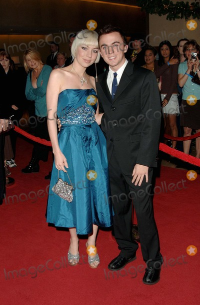Frankie Muniz Photo - 7th Annual Family Television Awards Held at the Beverly Hilton Hotel Beverly Hills CA 11302005 Photo by Fitzroy Barrett  Globe Photos Inc 2005 Frankie Muniz and Date