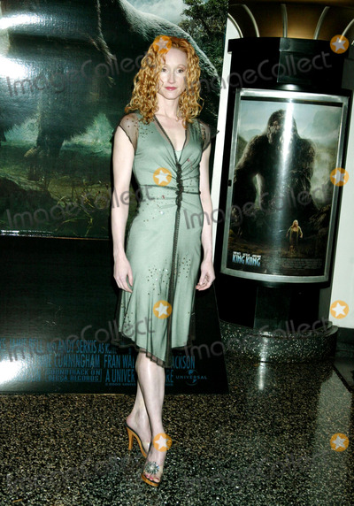 Angela Christian Photo - the World Premiere of King Kong Loews E-walk 42nd St New York City 12-05-2005 Photo by Sonia Moskowitz-Globe Photosinc Angela Christian