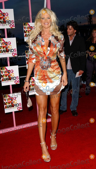 VICTORIA SILVERSTEDT Photo - 2004 Mtv Video Music Awards Arrivals at the American Airlines Arena in Miami Florida 08292004 Photo by Fitzroy BarrettGlobe Photos Inc2004 Victoria Silverstedt