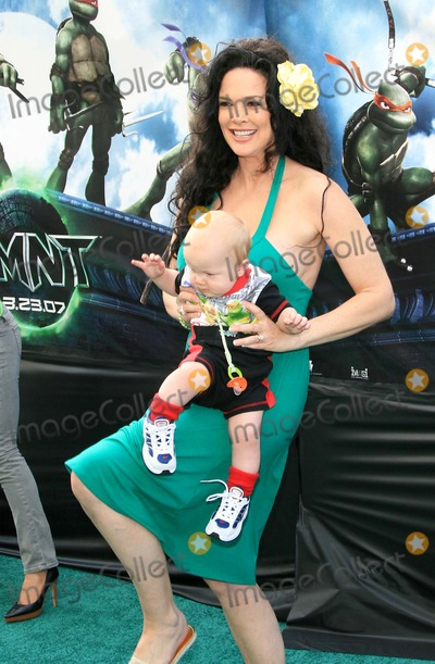 Julie Strain Photo - Julie Strain and Son - Teenage Mutant Ninja Turtles - Premiere - Graumans Chinese Theater Hollywood California - 03-17-2007 - Photo by Nina PrommerGlobe Photos Inc 2007