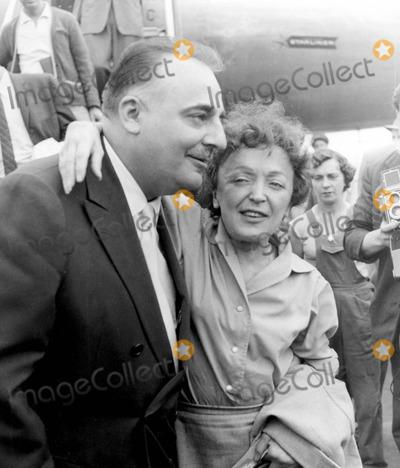 Edith Piaf Photo - Edith Piaf and Bueno Coguatre Photo by InterpressGlobe Photos Inc