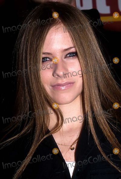 Avril Lavigne Photo - 0502- New York City 4th Annual Teen People  Whats Next Issue Party  Concert at the Hammerstein Ballroom Barry Talesnick Ipol Globe Photos Inc I1744bt Poster Avril Lavigne