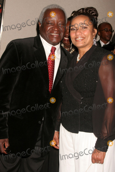 Art Evans Photo - the 18th Annual Beverly Hillshollywood Naacp Theatre Awards Kodak Theatre Hollywood CA 063008 Art Evans and Ella Joyce Photo Clinton H Wallace-photomundo-Globe Photos Inc