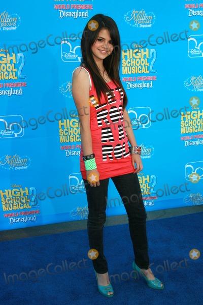 Selena Gomez Photo - World Premiere of Disneys  High School Musical  Two Held at Downtown Disneyland Anaheim  CA 08-14-2007 Photo by Ed Geller-Globe Photos Inc 2007 Selena Gomez