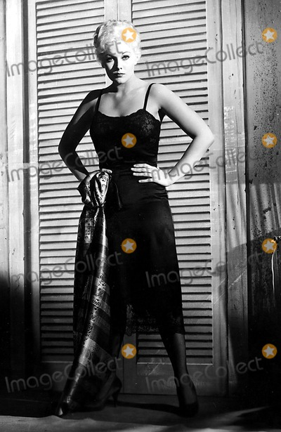 Kim Novak Photo - Kim Novak Ny1347 Supplied by Globe Photos Inc Kimnovakretro