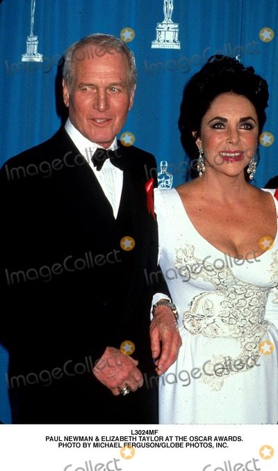 Paul Newman Photo - Paul Newman  Elizabeth Taylor at the Oscar Awards Photo by Michael FergusonGlobe Photos Inc