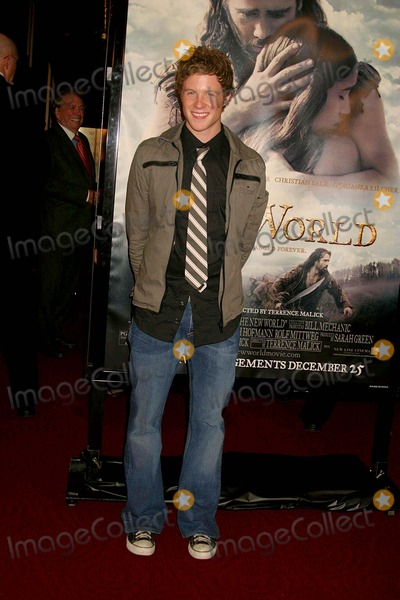 Ashton Holmes Photo - the New World Los Angeles Premiere Presented by New Line Cinema Academy of Motion Picture Arts and Sciences Beverly Hills CA 12-15-2005 Photo Clintonhwallace-photomundo-Globe Photos Inc Ashton Holmes