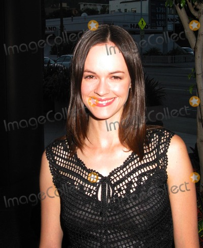 Susan May Pratt Photo -  Charms For the Easy Life Premiere at the Directors Guild of America in Los Angeles 080702 Photo by Milan RybaGlobe Photos Inc 2002 Susan May Pratt