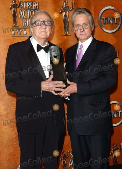 Karl Malden Photo - 10th Annual Screen Actors Guild Awards Pressroom at the Shrine Auditorium in Los Angeles CA 02222004 Photo by Fitzroy BarrettGlobe Photos 2004 Karl Malden and Michael Douglas