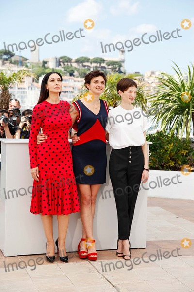 Alba Rohrwacher Photo - Monica Bellucci Alba Rohrwacher and Alice Rohrwacher Le Meraviglie Photo Call Cannes Film Festival 2014 Cannes France May 18 2014 Roger Harvey