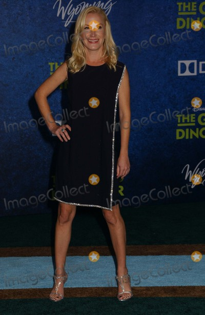 Angela Kinsey Photo - Angela Kinsey attends the Premiere of the Good Dinosaurat the Chinese Theater in Hollywoodca on November172015 Photo by Phil Roach-ipol-Globe Photos