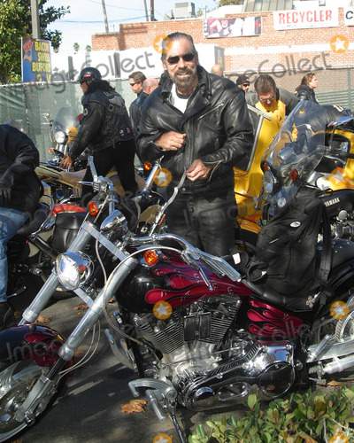 John Paul Photo - John Paul Dejoria Love Ride 19 Glendale Harley Davidson to Lake Castaic CA November 10 2002 Photo by Nina PrommerGlobe Photos Inc2002