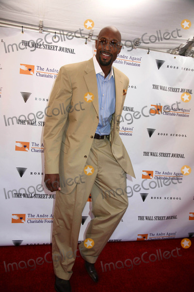 Alonzo Mourning Photo - K59146SMO1ST ANNUAL ANDRE AGASSI HOSTS A NIGHT IN THE HAMPTONS TO BENEFIT THE ANDRE AGASSI CHARITABLE FOUNDATION PRESENTED BY THE WALL STREET JOURNAL AT THE ROSS SCHOOL IN EAST HAMPTON NY08-16-2008PHOTOS BY SONIA MOSKOWITZ-GLOBE PHOTOS INC 2008ALONZO MOURNING