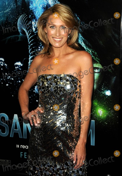 ALLISON CRATCHLEY Photo - Allison Cratchley attending the World Premiere of Sanctum Held at the Manns Chinese 6 Theatre in Hollywood California on 13111 photo by D Long- Globe Photos Inc 2011alister