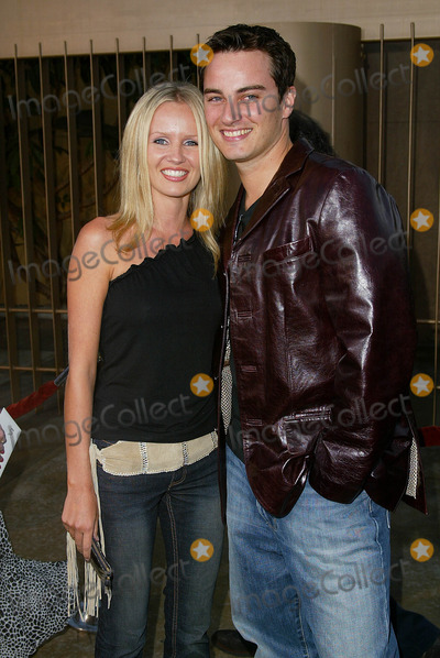 Harmoni Everett Photo - Cq Los Angeles Premiere at the Egyptian Theatre Kerr Smith and Harmoni Everett Photo by Fitzroy Barrett  Globe Photos Inc 5-13-2002 K24999fb (D)
