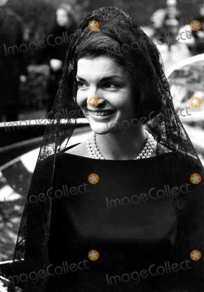 Jacqueline Kennedy Onassis Photo - Jacqueline Kennedy Onassis Papal Visit in Rome Globe Photos Inc Jacquelinekennedyonassisobit