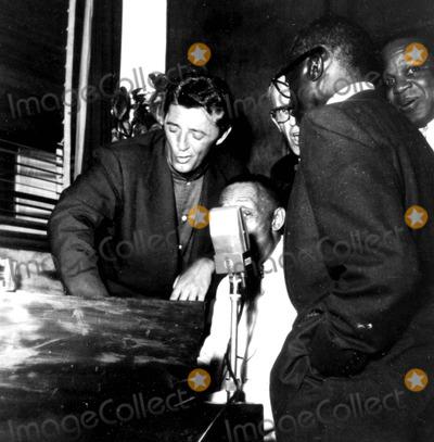 Robert Mitchum Photo - Robert Mitchum Photo ByGlobe Photos Inc