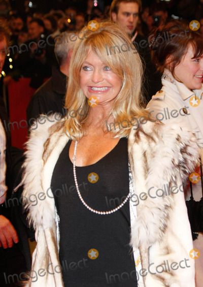 Goldie Photo - Goldie Hawn Arriving For the Film Premiere of Shine a Light the Opening of the 58th Berlin International Film Festival at Berlinale Palast on February 7th 2008 Photo by Alec Michael-Globe Photosinc