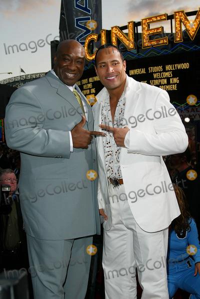 ¿Cuánto mide Dwayne Johnson (The Rock)? - Altura - Real height F9f4ca4a79de8d0