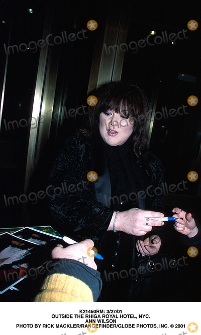 Ann Wilson Photo -  32701 Outside the Rhiga Royal Hotel NYC Ann Wilson Photo by Rick MacklerrangefinderGlobe Photos Inc