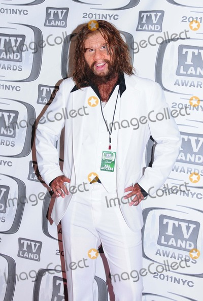 GEICO CAVEMAN Photo - Geico Caveman Tv Land Awards 2011 at Javits Center New York City 04-10-2011 Photo by Ken Babolcsay - Ipol-Globe Photos Inc