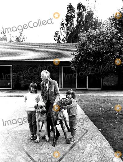 Jamie Lee Curtis Photo - Janet Leigh and Daughters Kelly and Jamie Globe Photos Inc