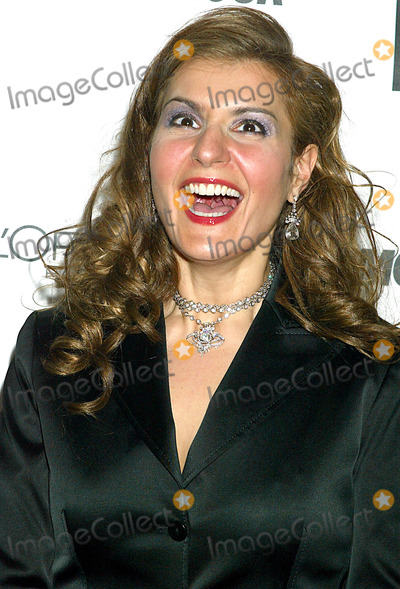 Nia Vardalos Photo - Sd1028 Glamour Magazine to Salute the 13th Annual 2002 Glamour Women of the Year Award Recipients (Sponsored by Loreal Paris) Held at the Metropolitan Museum of Art in New York City Photo Bysonia MoskowitzGlobe Photos Inc 2002 Nia Vardalos