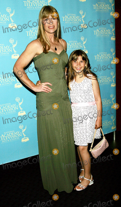 Bindi Irwin Photo - Terri and Bindi Irwin Arrive For the Creative Arts  Entertainment Emmy Awards at Rose Hall at Time Warner Center in New York on June 13 2008 Photo by Terry GatanisGlobe Photos Inc