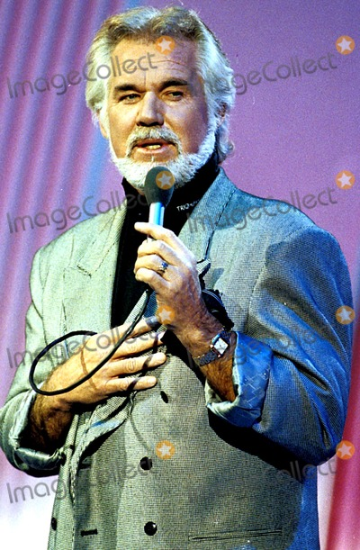 Kenny Rogers Photo - Kenny Rogers Photo ByuppaipolGlobe Photos Inc