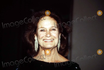 Colleen Dewhurst Photo - 1988 Colleen Dewhurst Photo by Mitchell Levy-rangefinders-Globe Photos