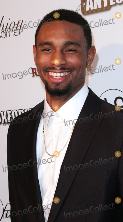 Anthony Kelley Photo - Anthony Kelley arrives at the Awards Lounge Highlighting Golden Globe Nominees