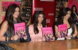 Kim Kardashian Photo 2