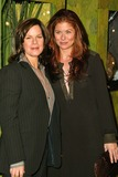 Debra Messing Photo 2