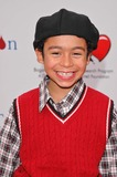 Noah Gray-Cabey Photo 2