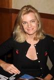Erika Eleniak Photo 2