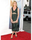 Jenna Elfman Photo 2