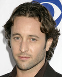 Alex O'Loughlin Photo 2