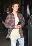 Photo - Photo by KGC-172-305starmaxinccomSTAR MAX2016ALL RIGHTS RESERVEDTelephoneFax (212) 995-1196101316Justin Bieber is seen in London England